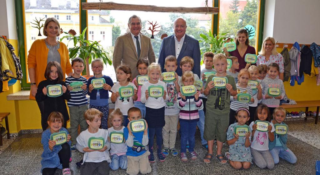 Abfall vermeiden: Jausenboxen für Volksschulen in Wr. Neustadt